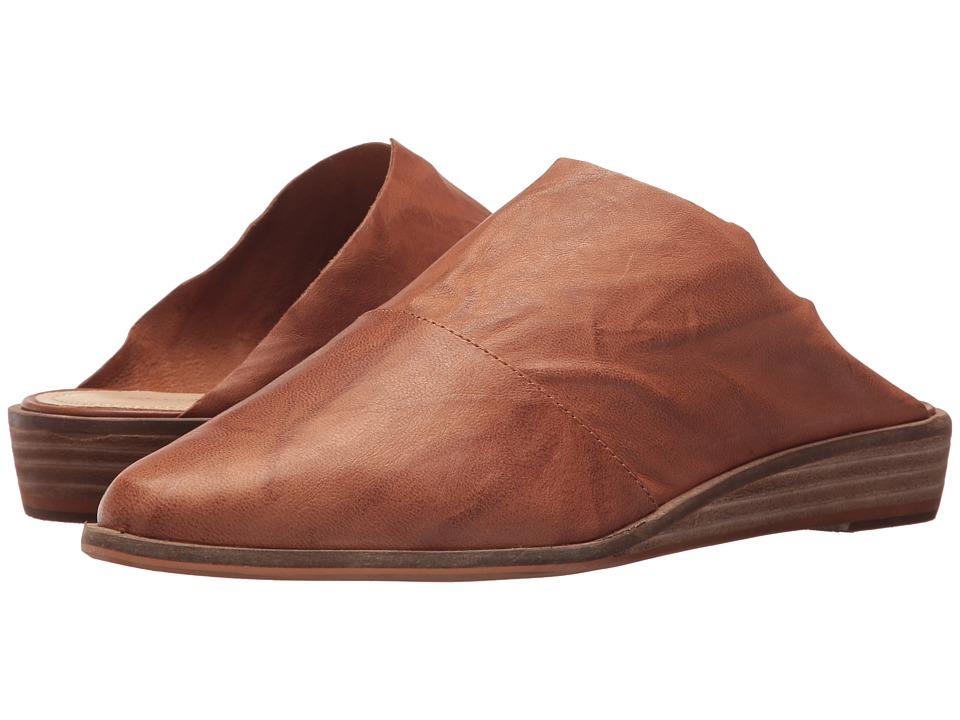 Kelsi Dagger Brooklyn Ashland Slide (Russet) Women's Shoes