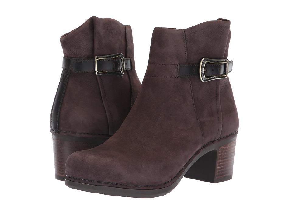 Dansko Hartley (Chocolate Nubuck) Women's Shoes