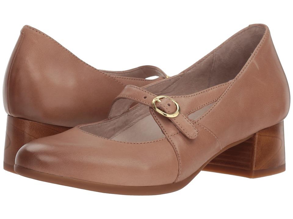 Dansko Peyton (Sand Burnished Nubuck) Women's Shoes