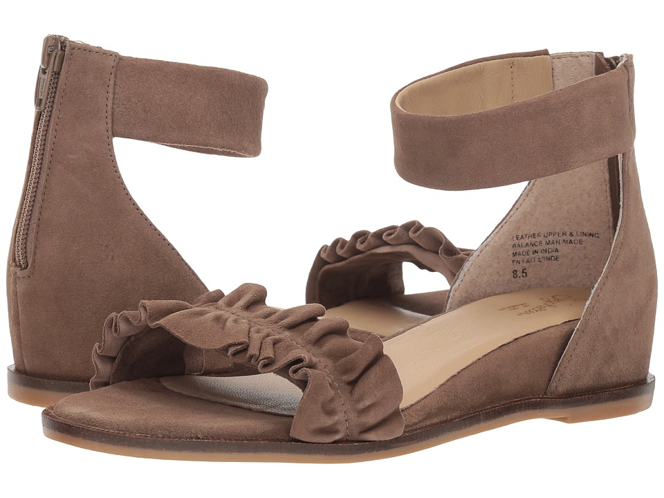 Seychelles Noble (Taupe Suede) Sandals