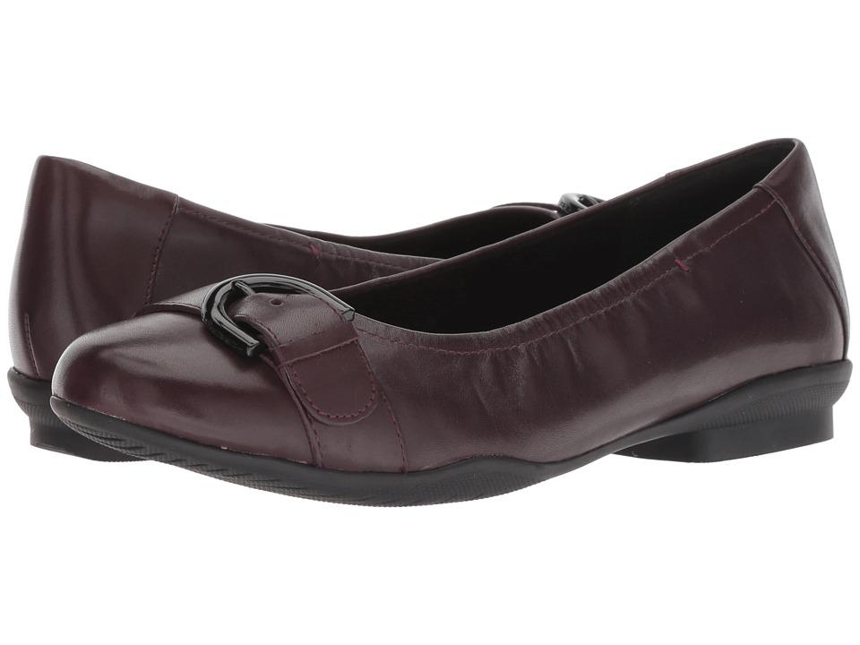 Clarks Neenah Lark (Aubergine Leather) Women's Shoes