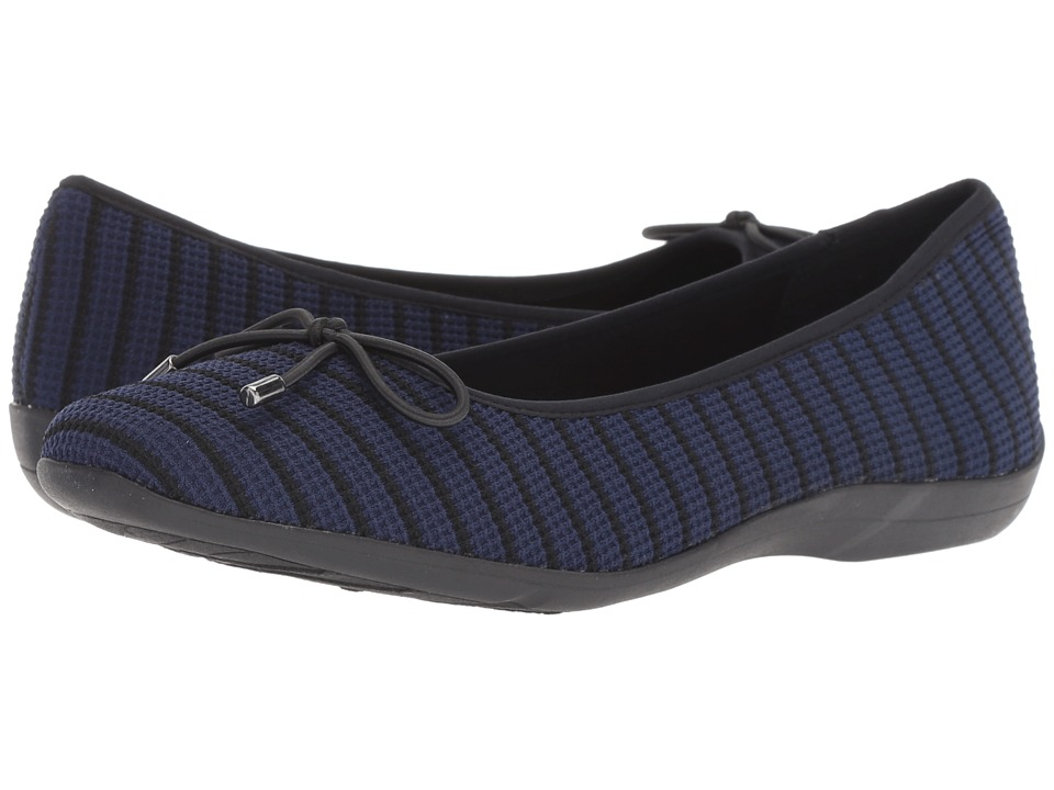 Soft Style Heartbreaker (Navy/Black Fabric) Flats