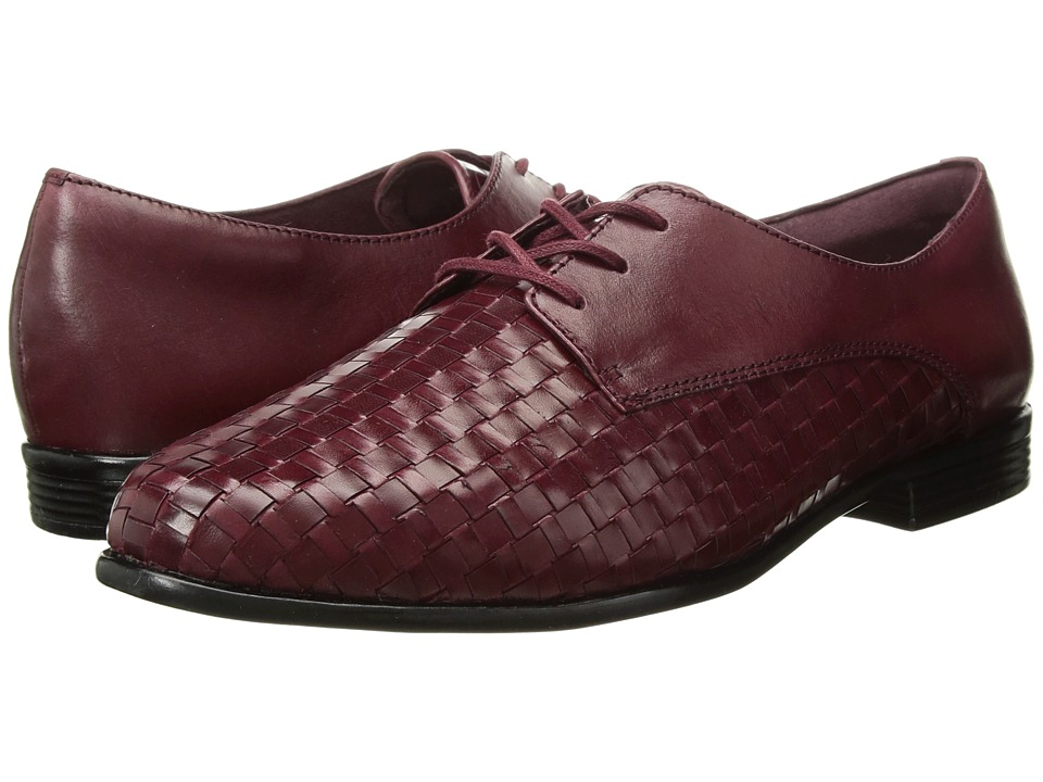 Trotters Lizzie (Black Cherry Woven/Smooth Leather) Slip-On Shoes