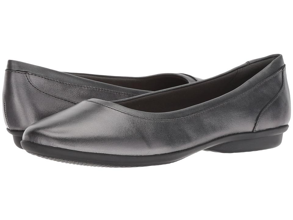 Clarks Gracelin Mara (Gunmetal Leather) Women's Shoes