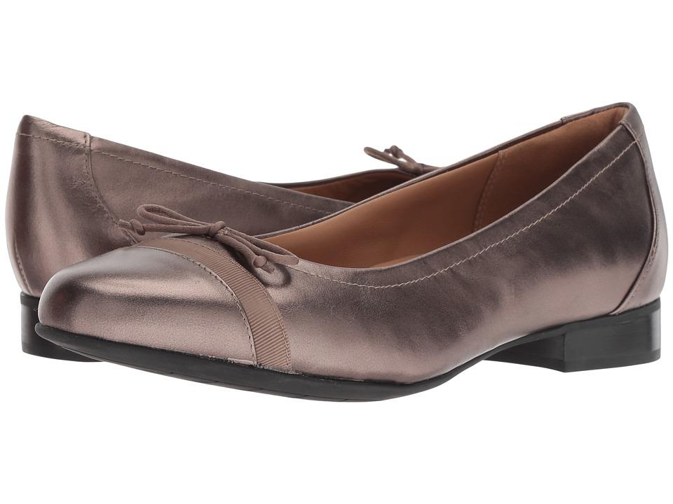 Clarks Un Blush Cap (Pebble Metallic Leather) Women's Shoes