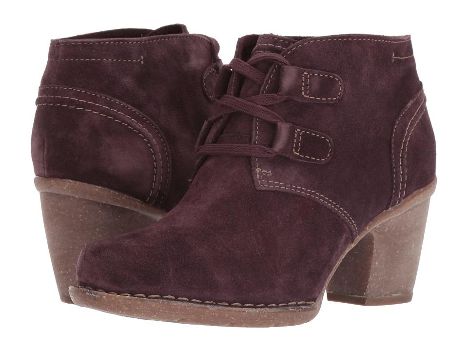 Clarks Carleta Lyon (Aubergine Suede) Women's  Boots