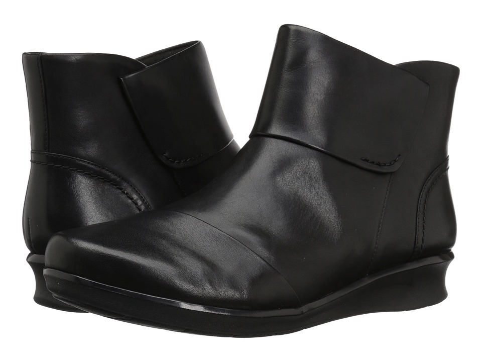 Clarks Hope Track (Black Leather) Women's Shoes