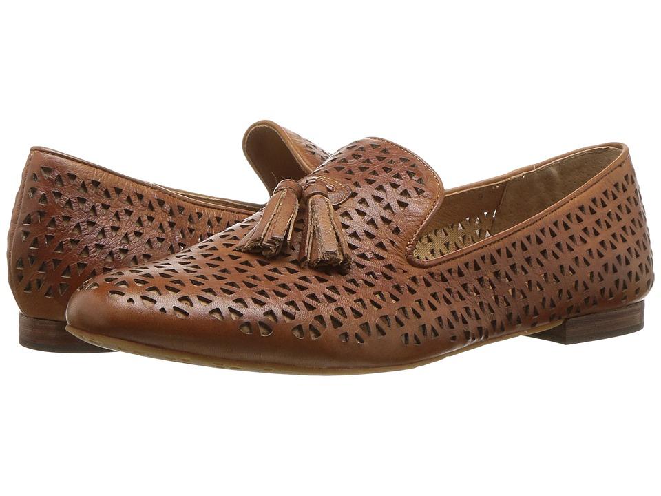 Patricia Nash - Illumina (Tan Leather) Womens Slip on  Shoes
