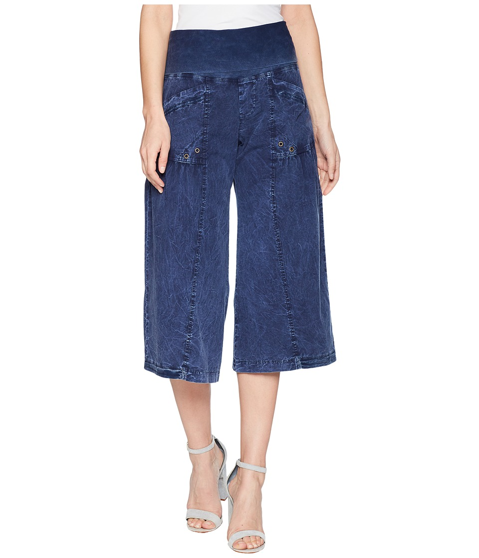 XCVI - Culver Crop (Distressed Evening Wash) Women's Casual Pants