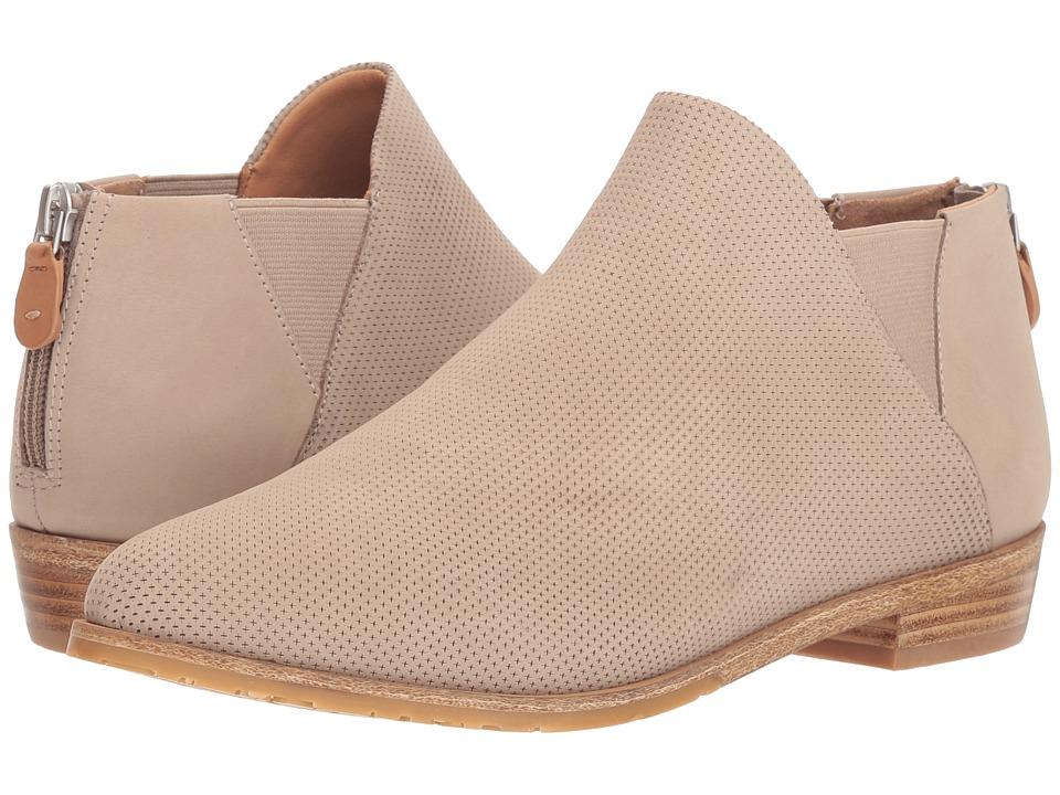 Gentle Souls by Kenneth Cole Neptune Chelsea 2 (Mushroom) Women's Shoes