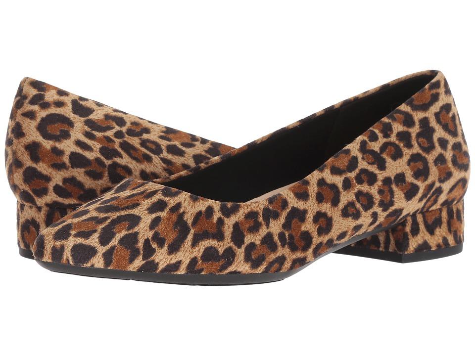 Easy Spirit Caldise 2 (Natural) Women's Shoes