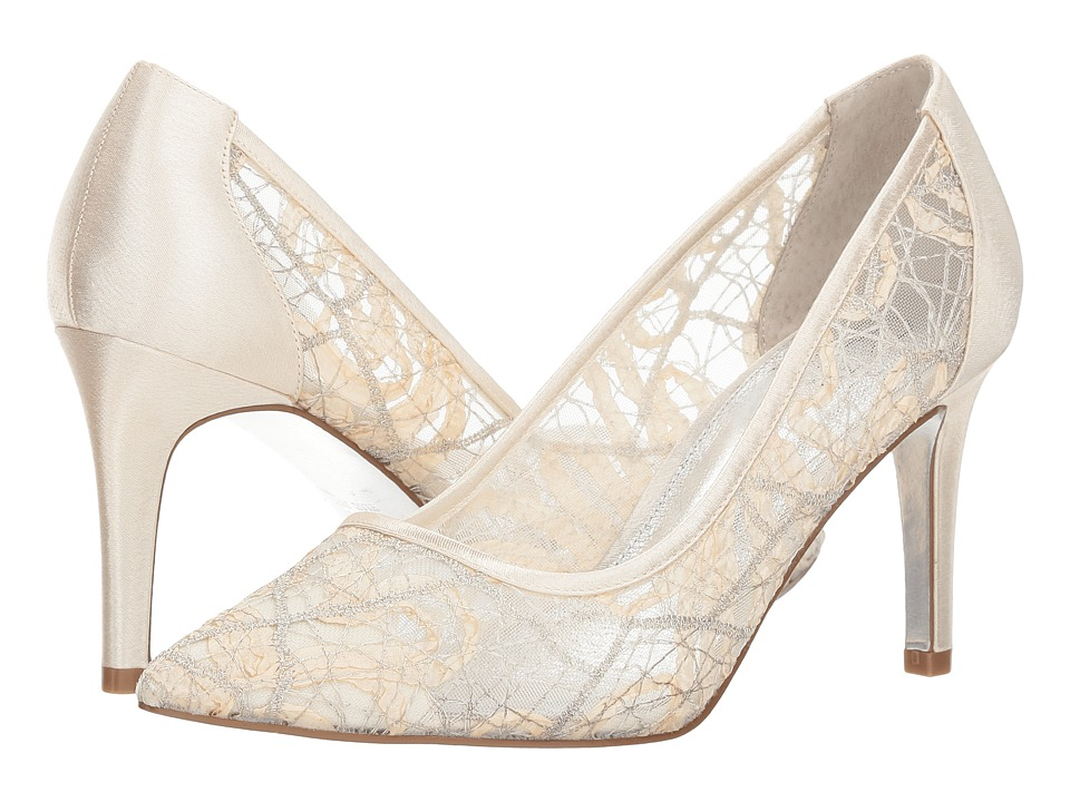 Adrianna Papell Hazyl (Ivory Chagall Lace) Women's Shoes