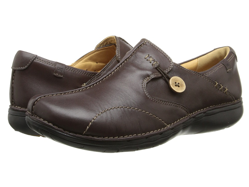 Clarks Un.loop (Dark Brown Leather) Slip-On Shoes
