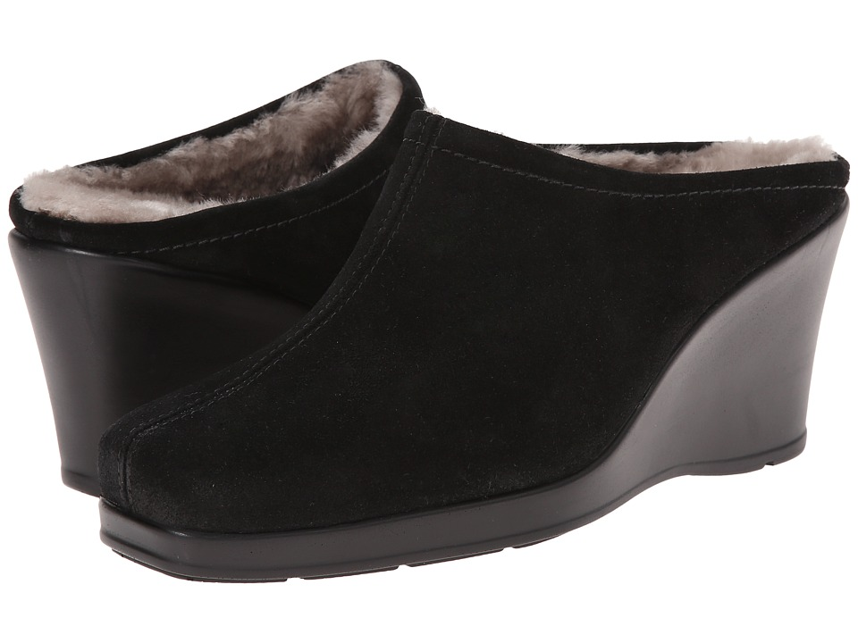 La Canadienne Ivy (Black Suede) Women's Clogs