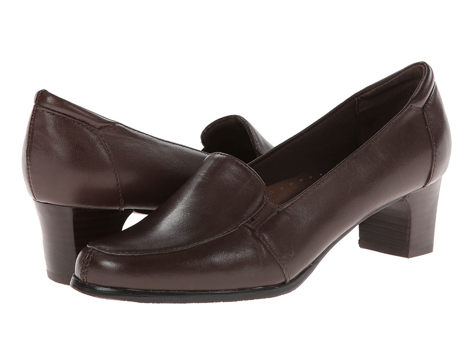 Trotters Gloria (Mocha Leather) Slip-On Shoes