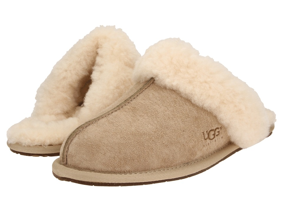 UGG Scuffette II (Sand (Suede)) Slippers