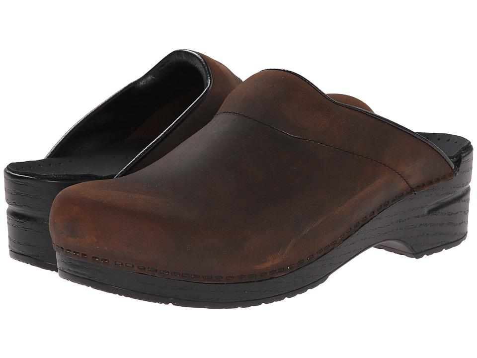 Dansko - Karl (Antique Brown Oiled) Men's Clog Shoes