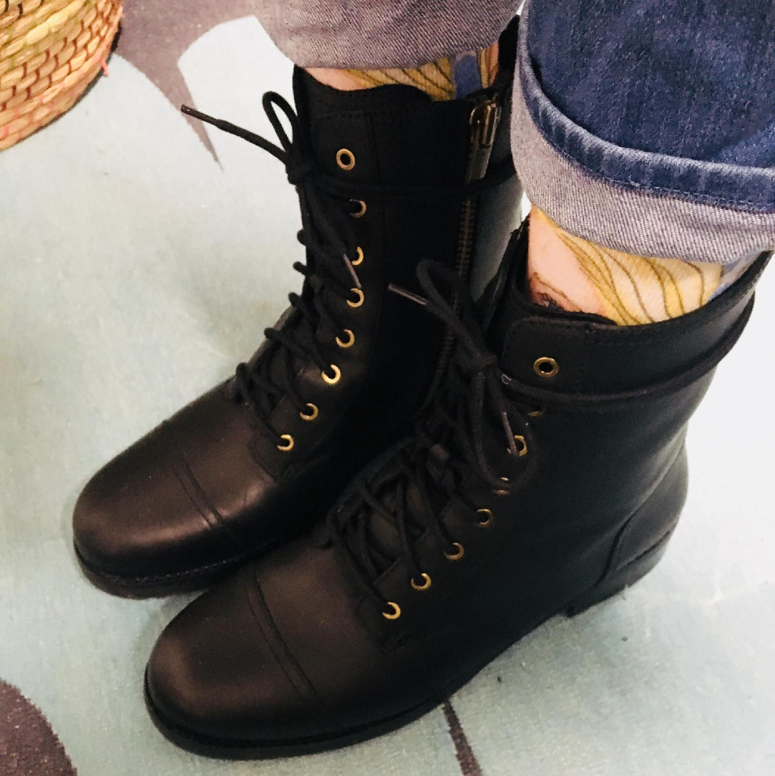 UGG Kilmer Lace-Up Leather Booties lW6Z3g15m