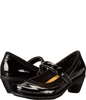 Naot Footwear - Trendy